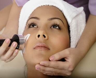 Ultrasonic-Facial-Treatment